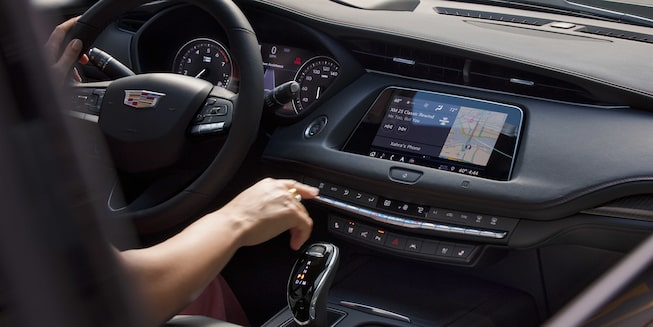 2020 Cadillac XT4 Compact SUV: Front Infotainment Technology